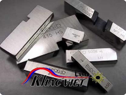 Khắc laser trên inox, khắc cắt laser trên mọi vật liệu