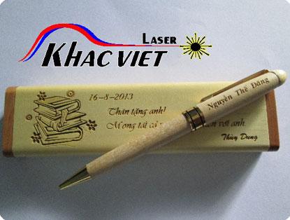 Khắc laser trên bút gỗ, quà tặng, cắt laser